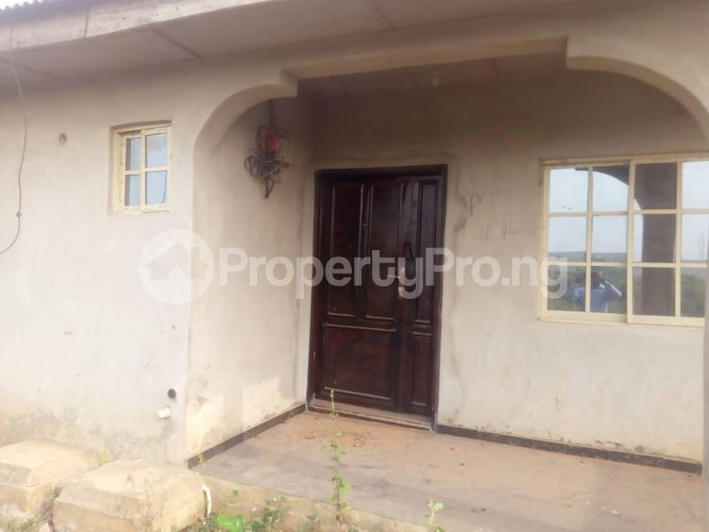 6 bedroom Detached Bungalow for sale Ikorodu Lagos - 3