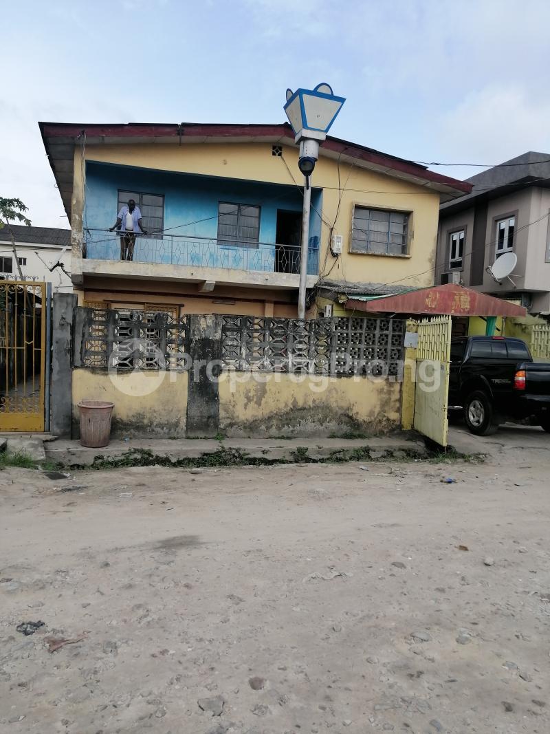 3 bedroom Blocks of Flats House for sale Off adegoke Masha Surulere Lagos - 0