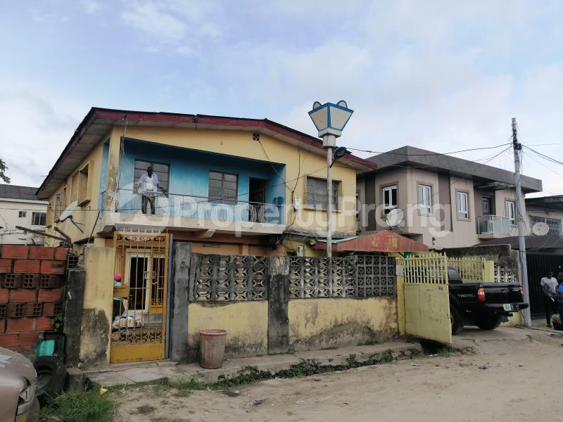 3 bedroom Blocks of Flats House for sale Off adegoke Masha Surulere Lagos - 1