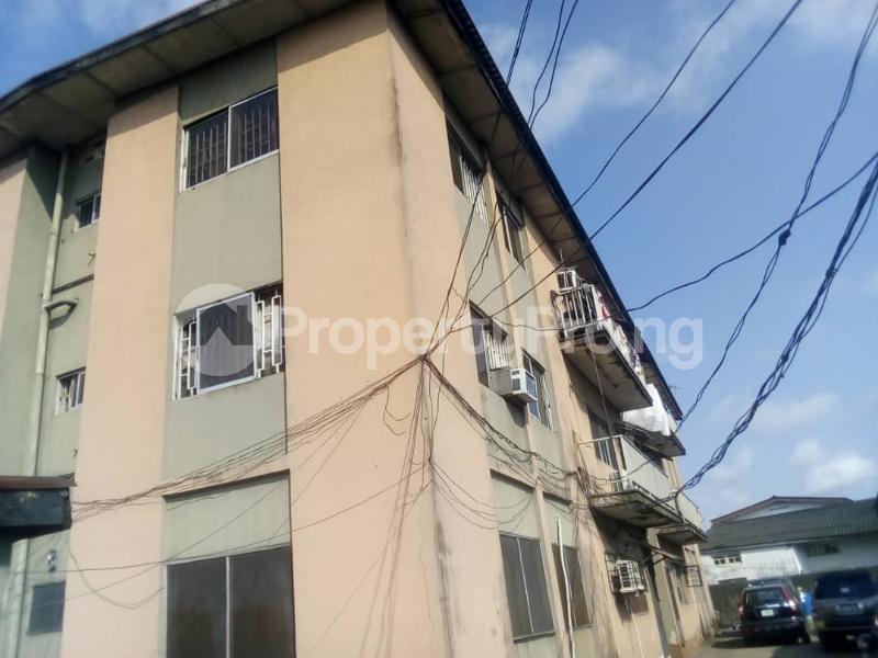 3 bedroom Flat / Apartment for sale off Sanya street Aguda Surulere Lagos - 2