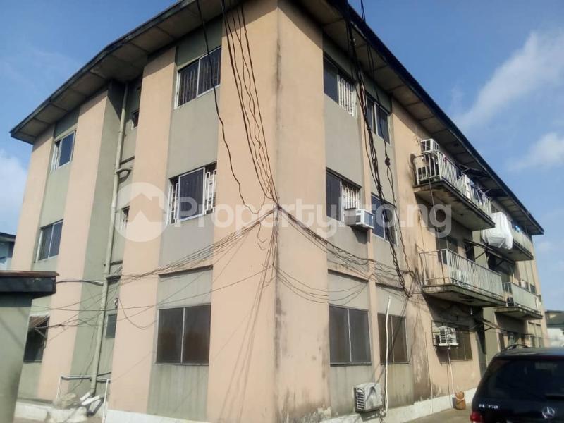 3 bedroom Flat / Apartment for sale off Sanya street Aguda Surulere Lagos - 4