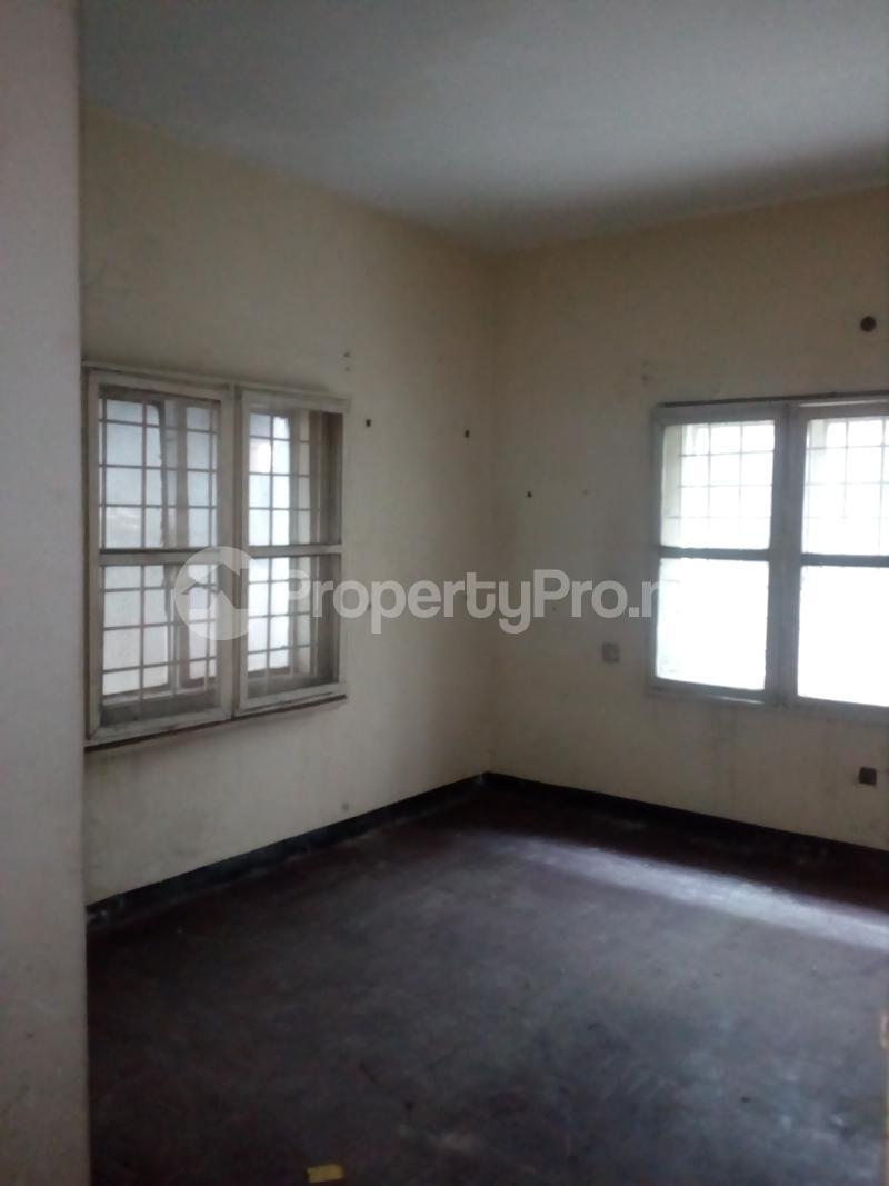 Blocks of Flats House for sale Off bode Thomas  Bode Thomas Surulere Lagos - 4