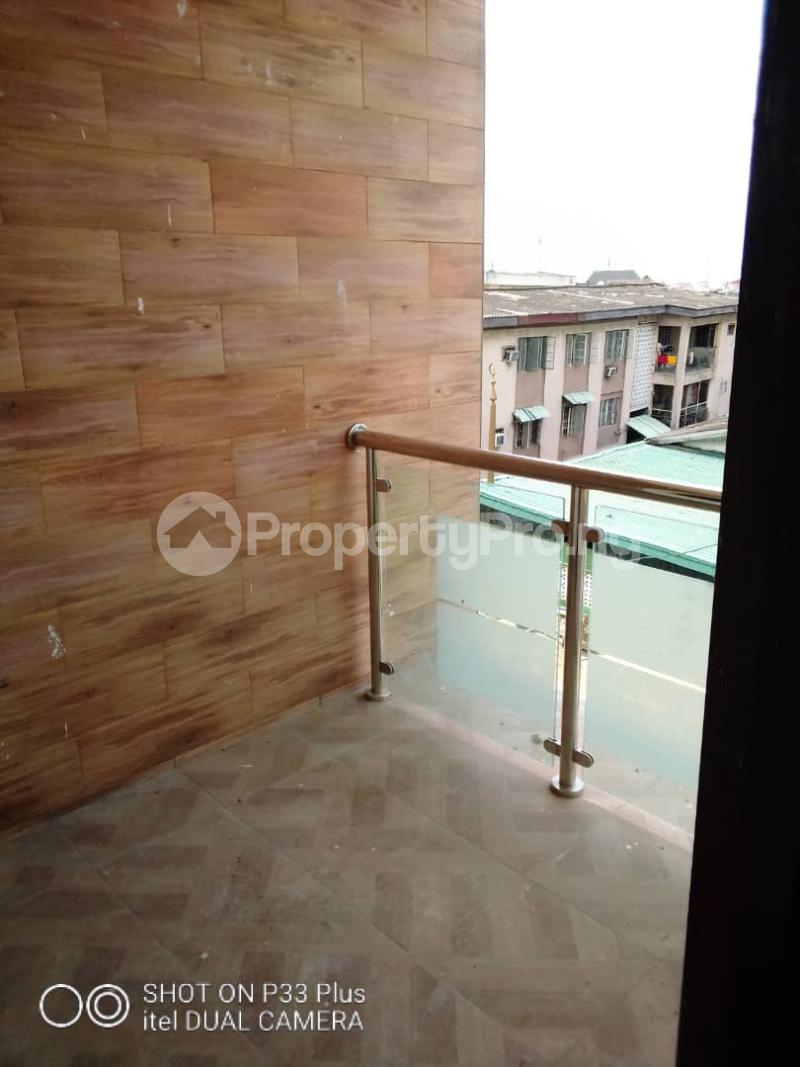 3 bedroom Flat / Apartment for rent Oyadiran Estate  Sabo Yaba Lagos - 5