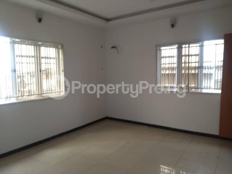 3 bedroom Blocks of Flats House for rent Atunrase Medina Gbagada Lagos - 8