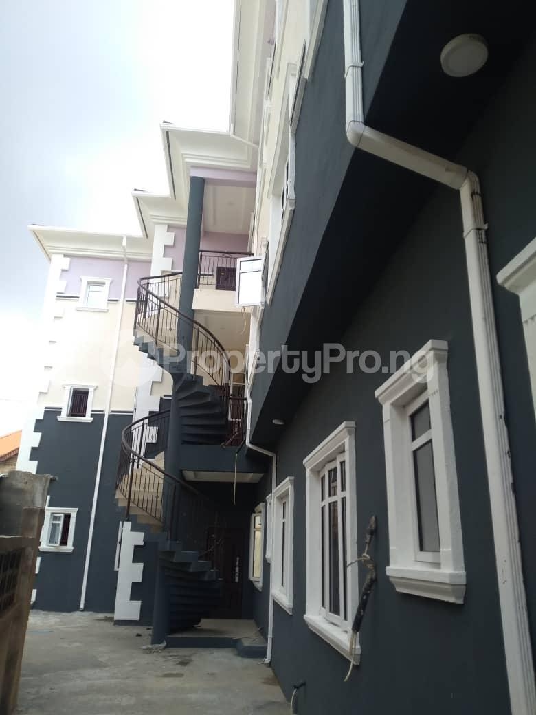 3 bedroom Blocks of Flats House for rent Atunrase Medina Gbagada Lagos - 7