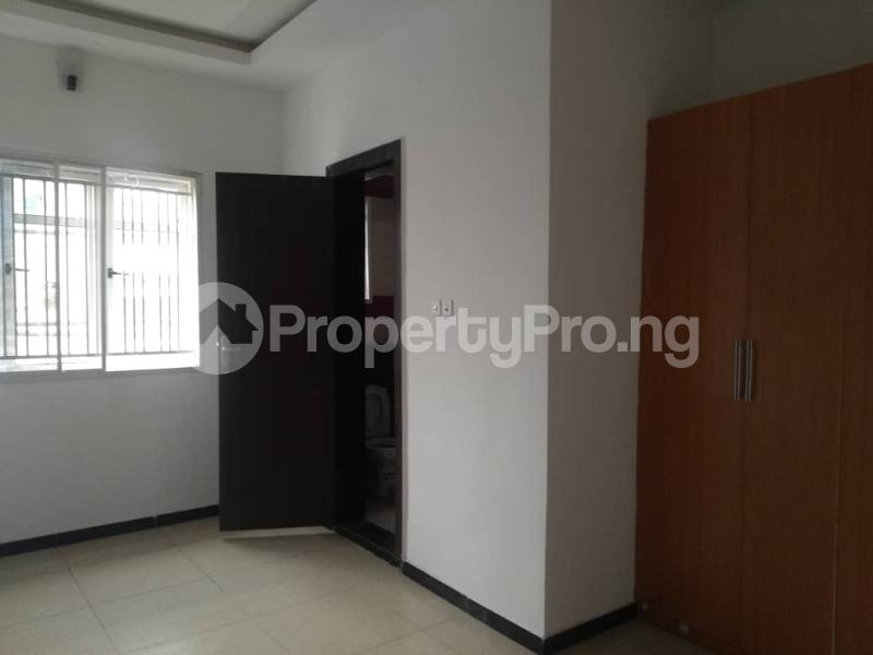 3 bedroom Blocks of Flats House for rent Atunrase Medina Gbagada Lagos - 6