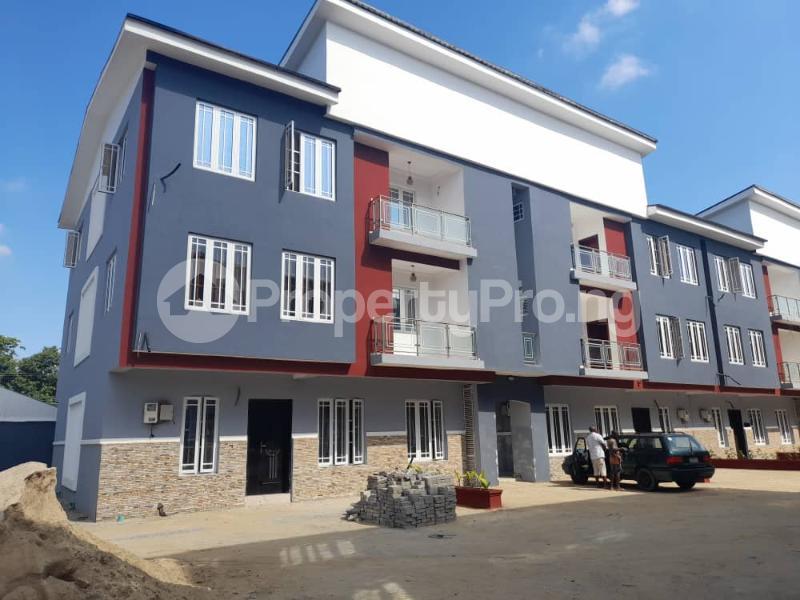 4 bedroom Flat / Apartment for sale Ilupeju Estate Coker Road Ilupeju Lagos - 2