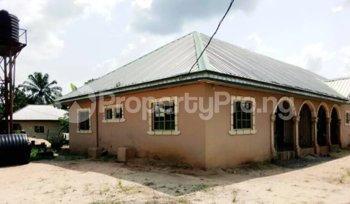 1 bedroom Detached Bungalow for sale Block C Ugbese Layout Off Airport Road Warri Delta - 0
