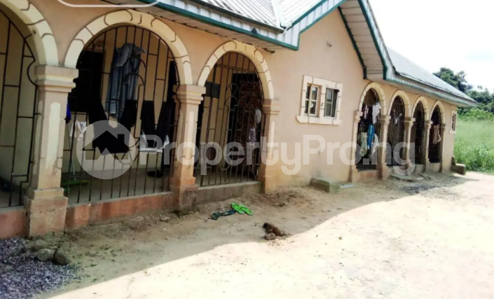 1 bedroom Detached Bungalow for sale Block C Ugbese Layout Off Airport Road Warri Delta - 1