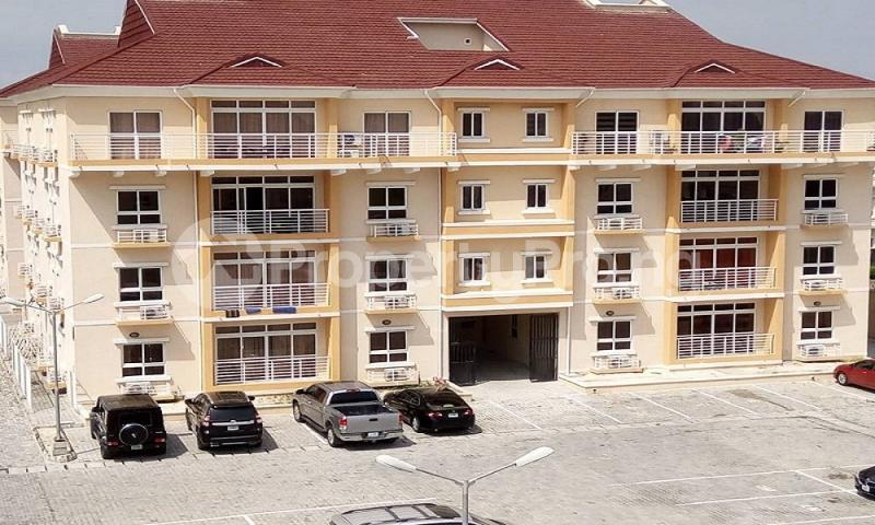 3 bedroom Shared Apartment Flat / Apartment for rent ..... Osapa london Lekki Lagos - 0