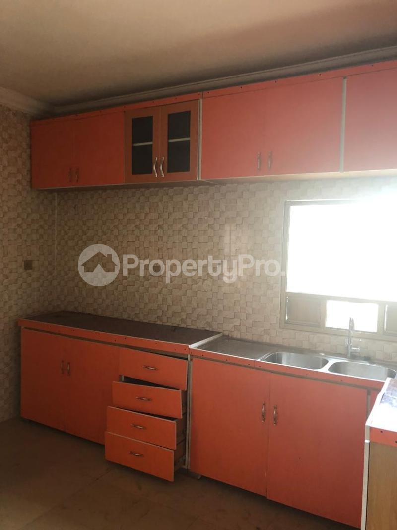 6 bedroom Massionette for sale Golf Estate Enugu Enugu - 3