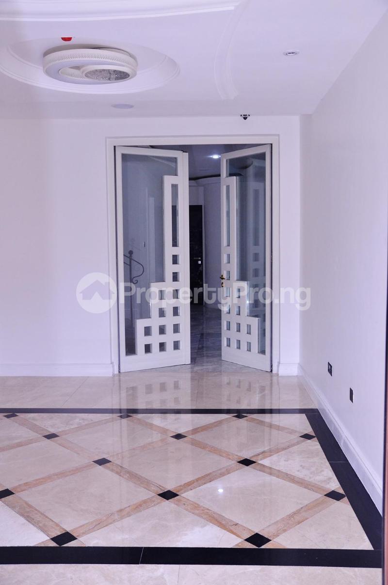 5 bedroom Massionette for sale Chevron Drive chevron Lekki Lagos - 4