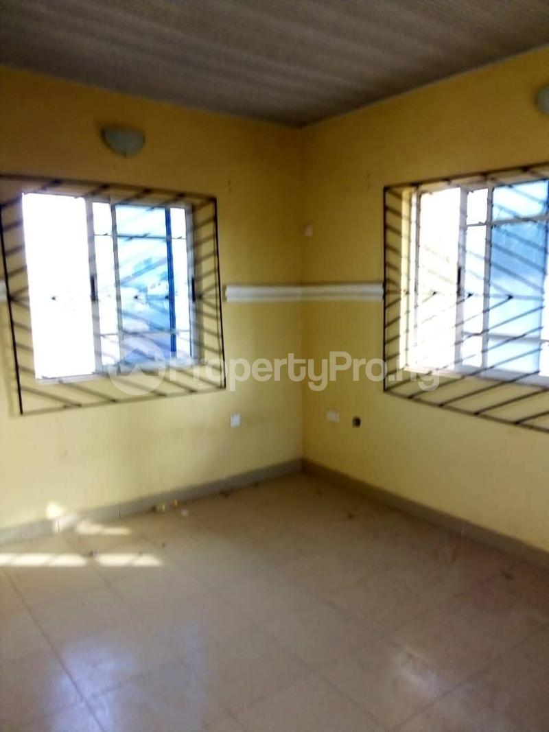 3 bedroom Semi Detached Duplex House for rent Yawiri  Akobo Ibadan Oyo - 5