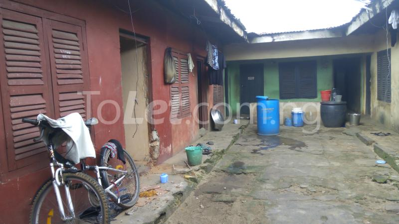 8 bedroom House for sale Ulasi Road Aba Abia - 2