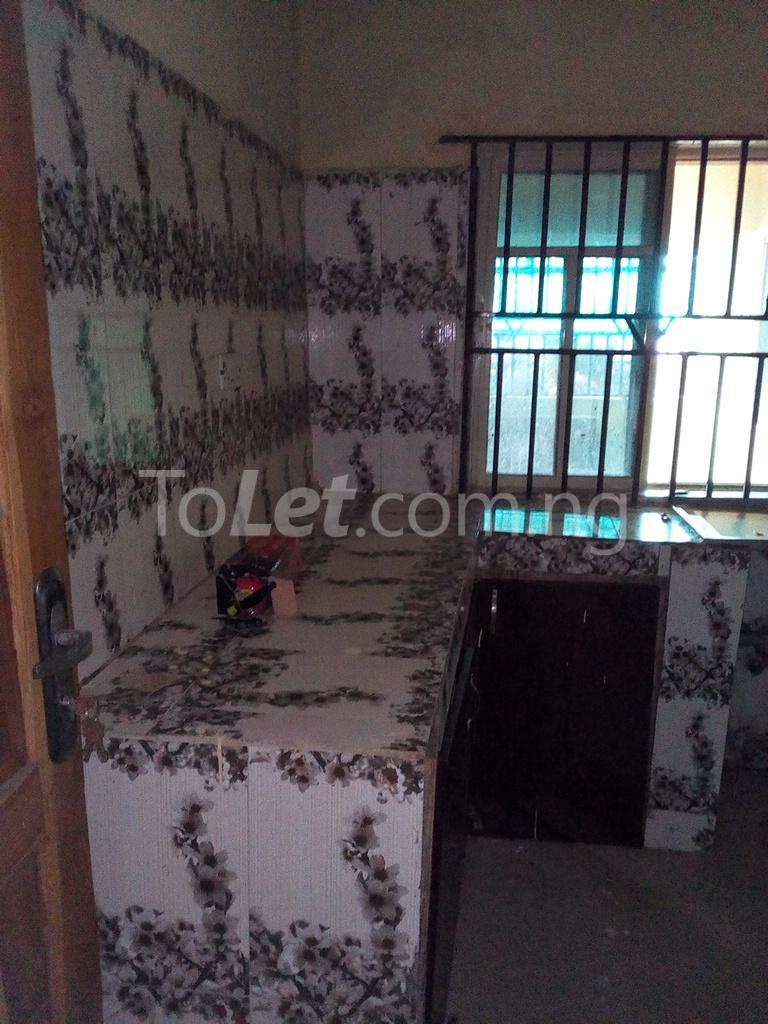 2 bedroom Shared Apartment Flat / Apartment for rent Alahusa  area white sand Ijegun Ikotun/Igando Lagos - 5