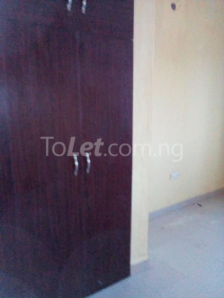 2 bedroom Shared Apartment Flat / Apartment for rent Alahusa  area white sand Ijegun Ikotun/Igando Lagos - 3