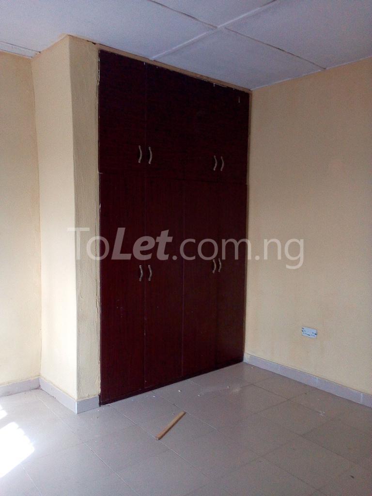 2 bedroom Shared Apartment Flat / Apartment for rent Alahusa  area white sand Ijegun Ikotun/Igando Lagos - 4