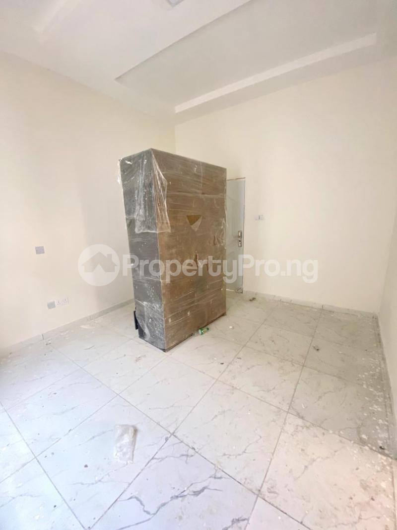 3 bedroom Flat / Apartment for sale 2nd Toll Gate chevron Lekki Lagos - 4