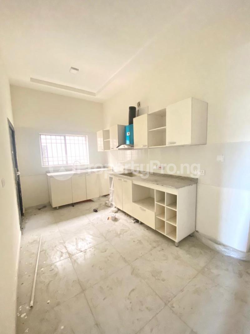3 bedroom Flat / Apartment for sale 2nd Toll Gate chevron Lekki Lagos - 10