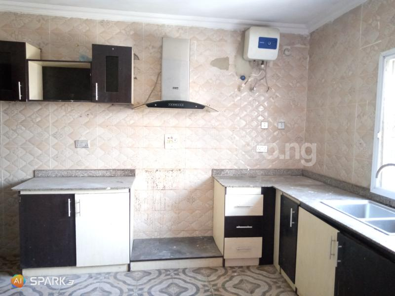 3 bedroom Blocks of Flats House for rent Jakande  Jakande Lekki Lagos - 2