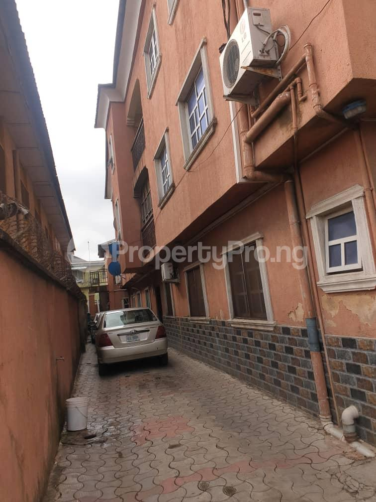 3 bedroom Blocks of Flats House for rent AGBOYIN STREET Aguda Surulere Lagos - 9
