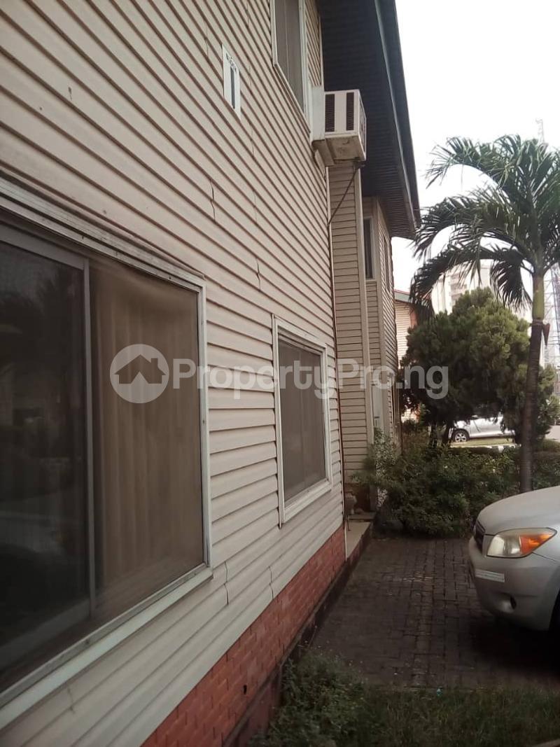 3 bedroom Terraced Duplex House for rent ROYAL ESTATE OFF BODE THOMAS Bode Thomas Surulere Lagos - 1