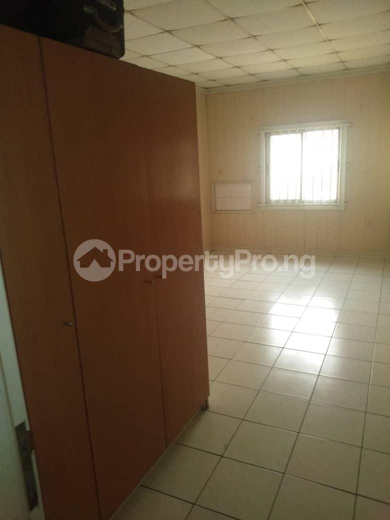 3 bedroom Terraced Duplex House for rent ROYAL ESTATE OFF BODE THOMAS Bode Thomas Surulere Lagos - 4