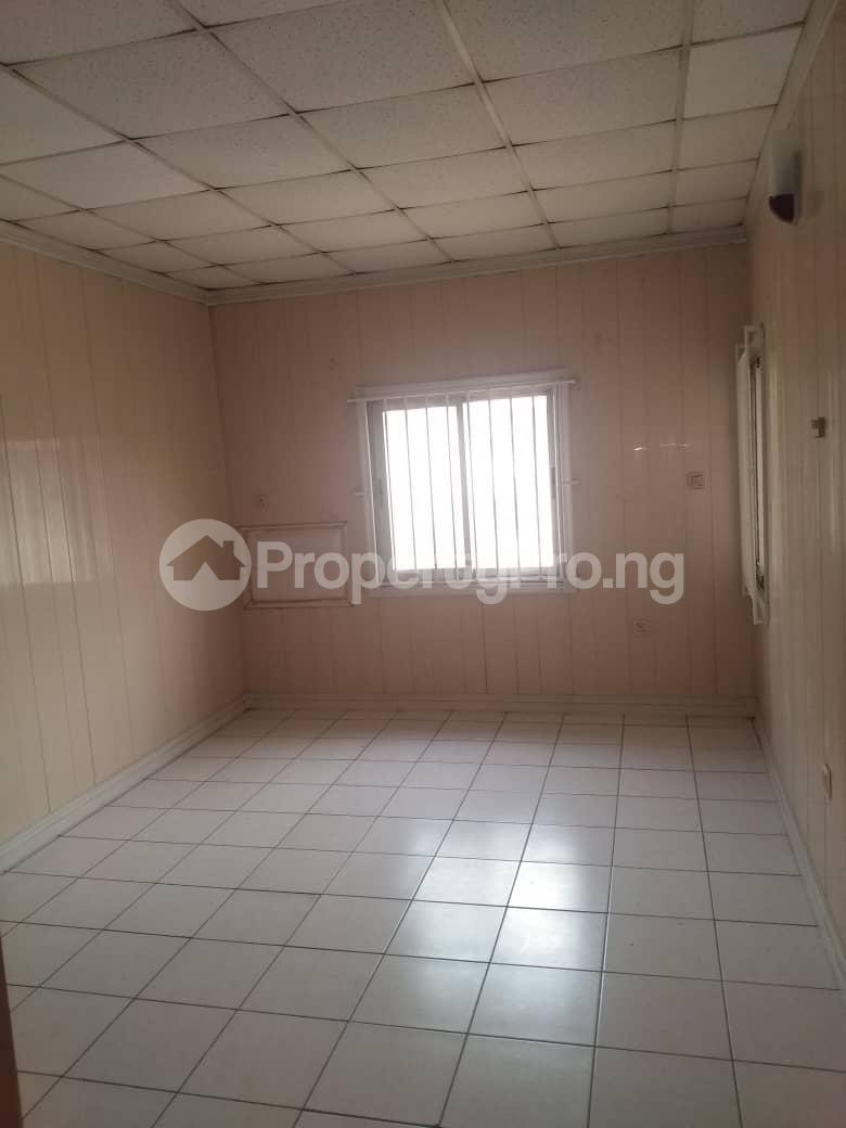 3 bedroom Terraced Duplex House for rent ROYAL ESTATE OFF BODE THOMAS Bode Thomas Surulere Lagos - 5