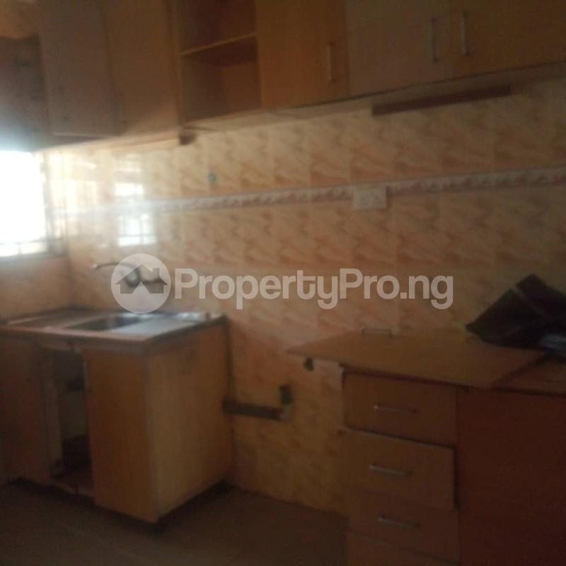 3 bedroom Blocks of Flats House for rent Makoko road,yaba Adekunle Yaba Lagos - 1
