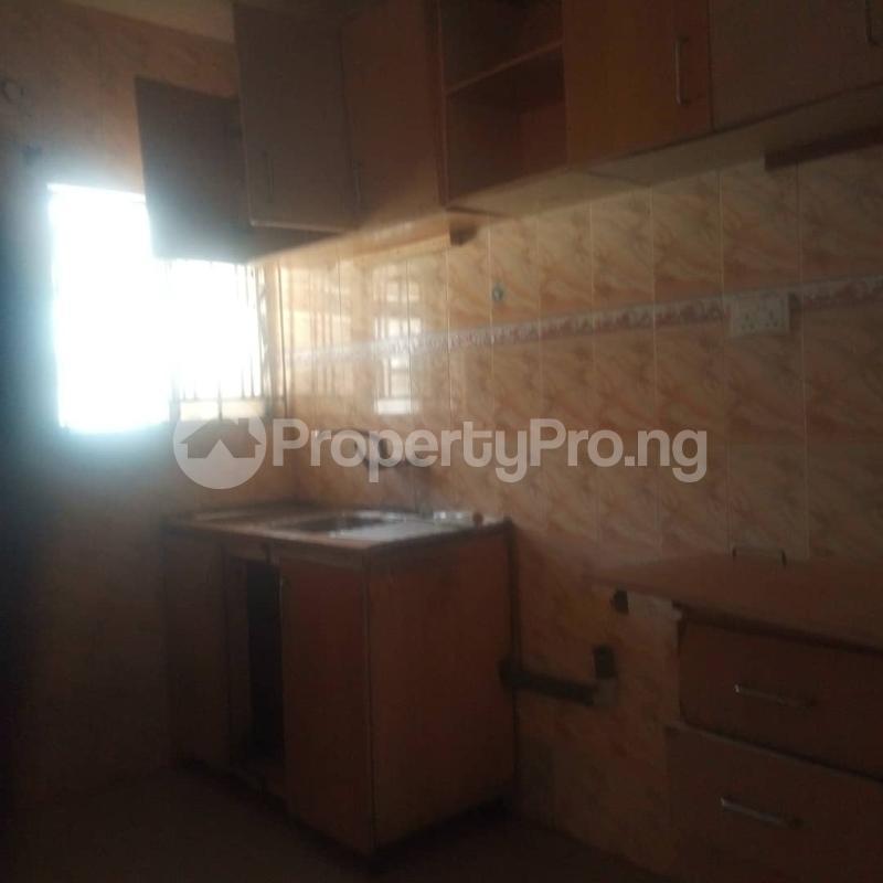 3 bedroom Blocks of Flats House for rent Makoko road,yaba Adekunle Yaba Lagos - 8