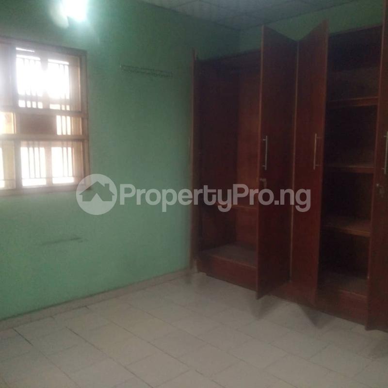 3 bedroom Blocks of Flats House for rent Makoko road,yaba Adekunle Yaba Lagos - 2