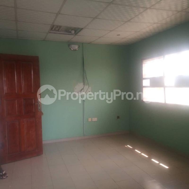 3 bedroom Blocks of Flats House for rent Makoko road,yaba Adekunle Yaba Lagos - 3