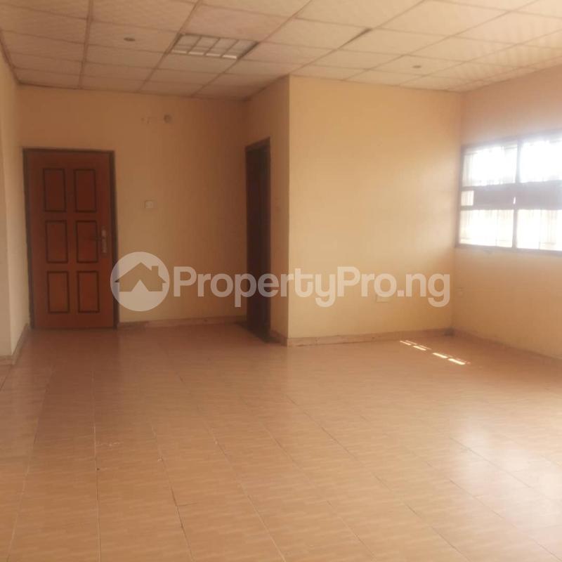 3 bedroom Blocks of Flats House for rent Makoko road,yaba Adekunle Yaba Lagos - 9