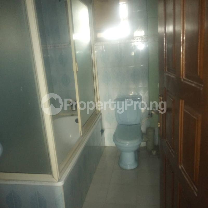 3 bedroom Blocks of Flats House for rent Makoko road,yaba Adekunle Yaba Lagos - 11