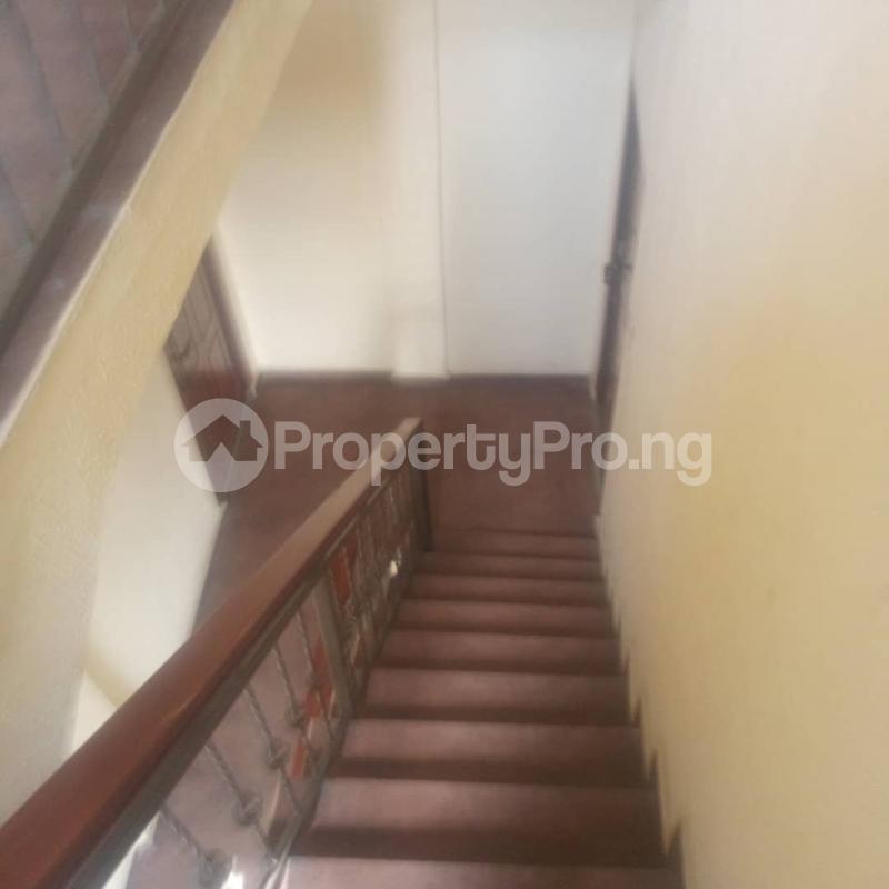 3 bedroom Blocks of Flats House for rent Makoko road,yaba Adekunle Yaba Lagos - 4