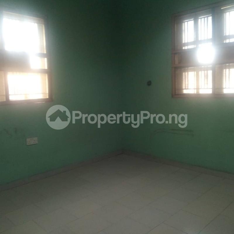 3 bedroom Blocks of Flats House for rent Makoko road,yaba Adekunle Yaba Lagos - 10