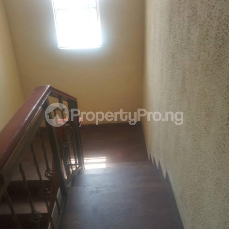 3 bedroom Blocks of Flats House for rent Makoko road,yaba Adekunle Yaba Lagos - 6