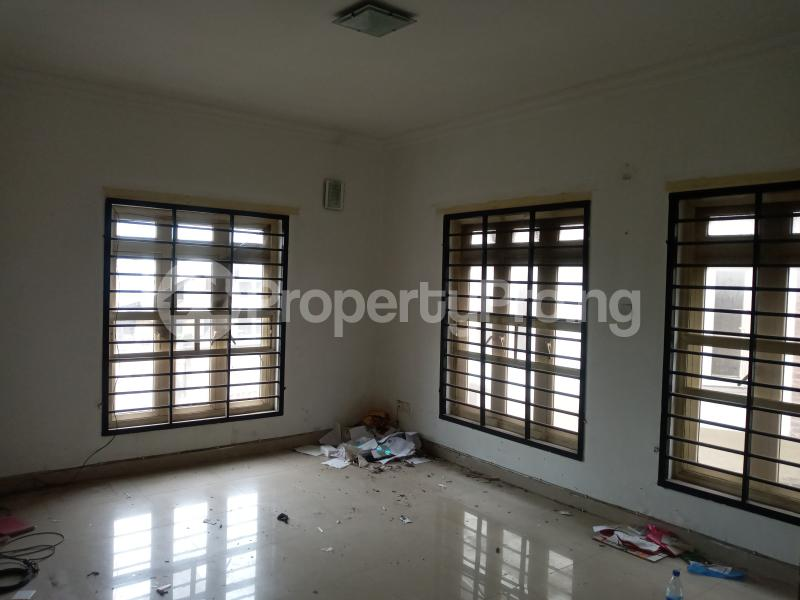 3 bedroom Flat / Apartment for rent Saint Agnes in an Estate  Jibowu Yaba Lagos - 4