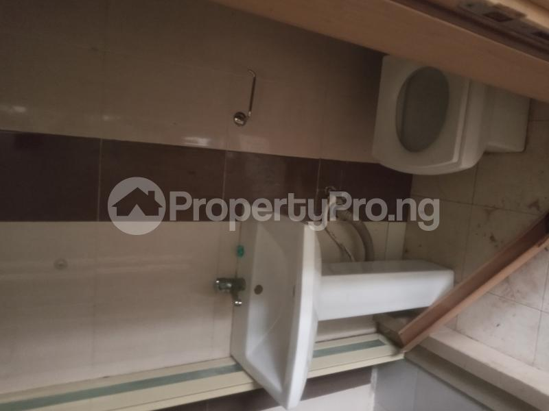 3 bedroom Flat / Apartment for rent Saint Agnes in an Estate  Jibowu Yaba Lagos - 17