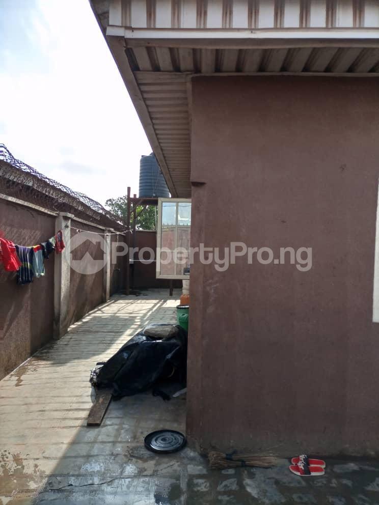 3 bedroom Flat / Apartment for sale Ipaja Ipaja Ipaja Lagos - 5