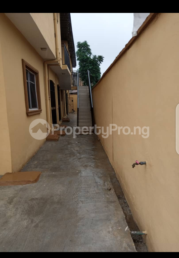 1 bedroom mini flat  Blocks of Flats House for rent Akilo ogba wempco road Wempco road Ogba Lagos - 3