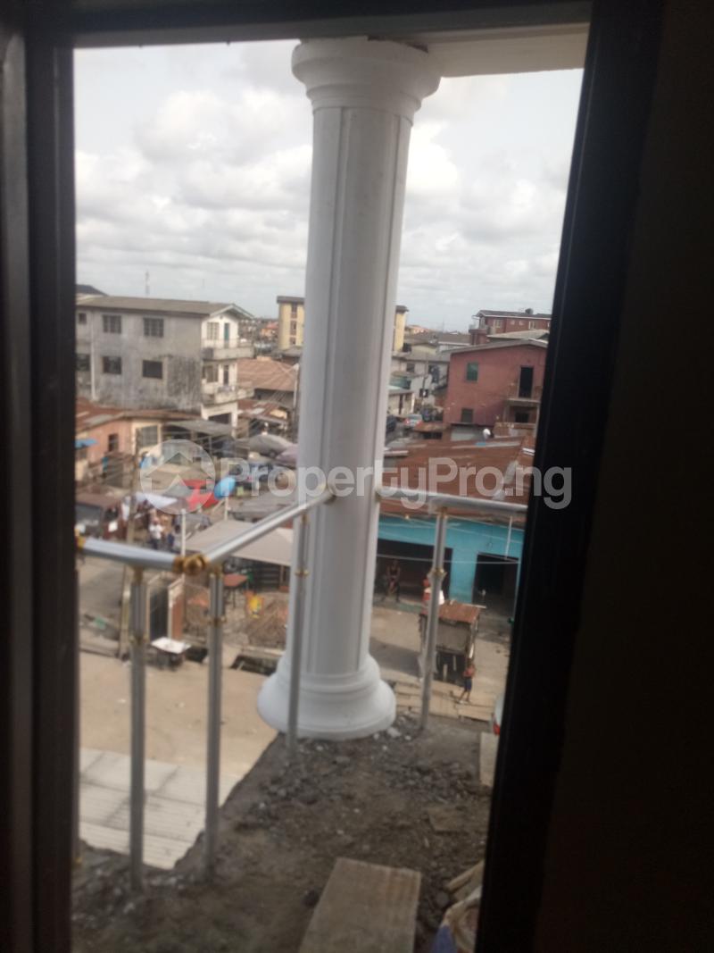 1 bedroom mini flat  Mini flat Flat / Apartment for rent off Itire Road Itire Surulere Lagos - 4