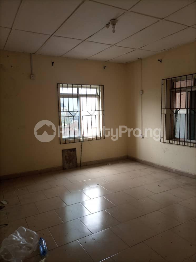 2 bedroom Flat / Apartment for rent Alagomeji Yaba Lagos - 5