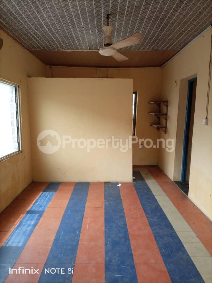 1 bedroom Boys Quarters for rent Oladejo Adigun/jericho/lead City Ibadan north west Ibadan Oyo - 2