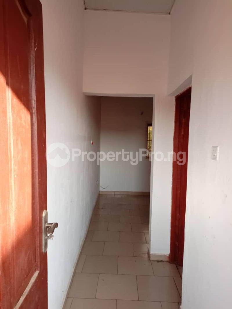 1 bedroom Blocks of Flats for rent Oremeta/adetokun/ologuneru/ibadan Eleyele Ibadan Oyo - 9