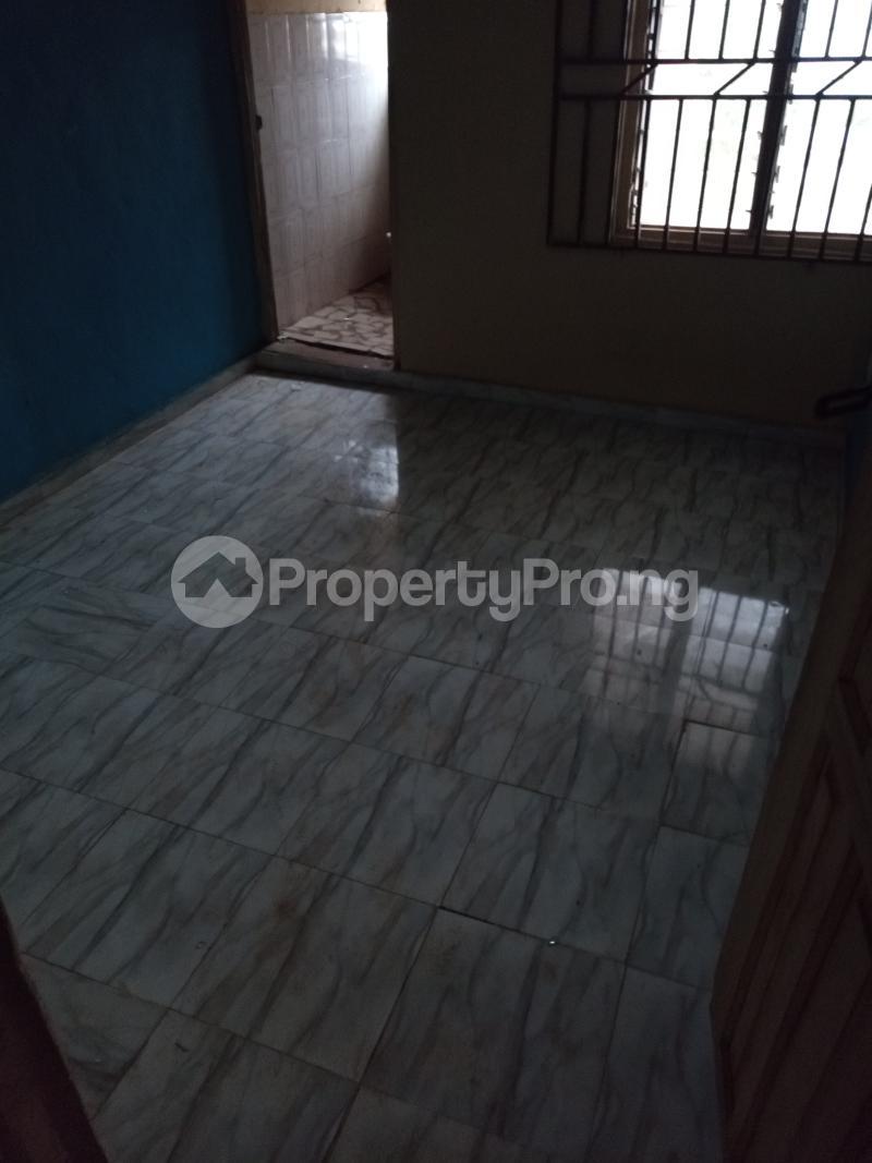 Self Contain for rent Yellow House, Unity Quarters Elesare Akure Ondo - 2
