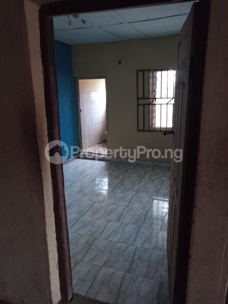 Self Contain for rent Yellow House, Unity Quarters Elesare Akure Ondo - 0