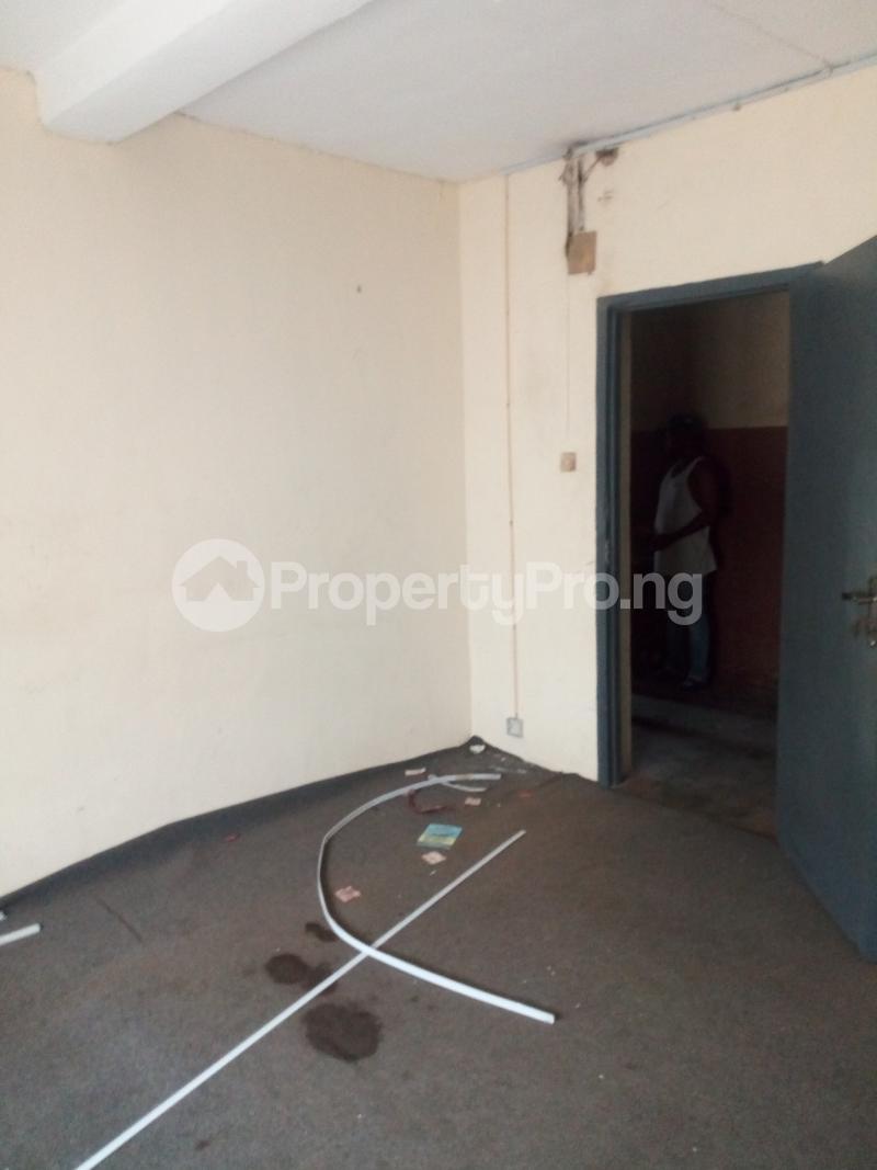 Workstation for rent Dikat Ring Rd Ibadan Oyo - 3