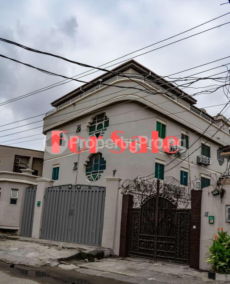 Blocks of Flats House for sale Johnson Street Off Bode Thomas Street Bode Thomas Surulere Lagos - 4