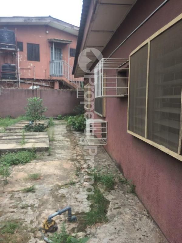 3 bedroom Flat / Apartment for sale Akinremi Street Ogba. Ogba Bus-stop Ogba Lagos - 15